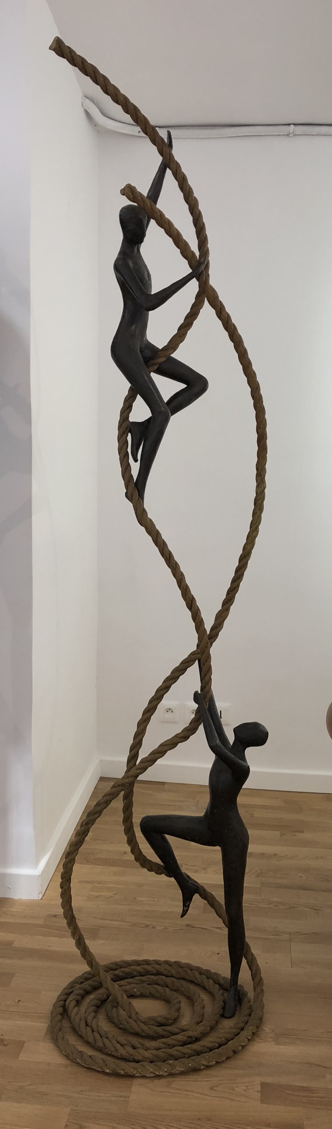 ENCOURAGING  Bronze 215x50x47cm / 85x19,6x18,5 inches